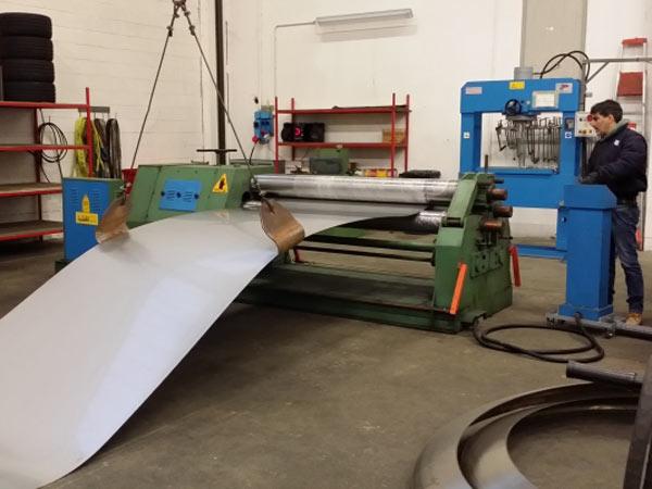 Carpentieri-per-costruzione-opere-in-acciaio-inox