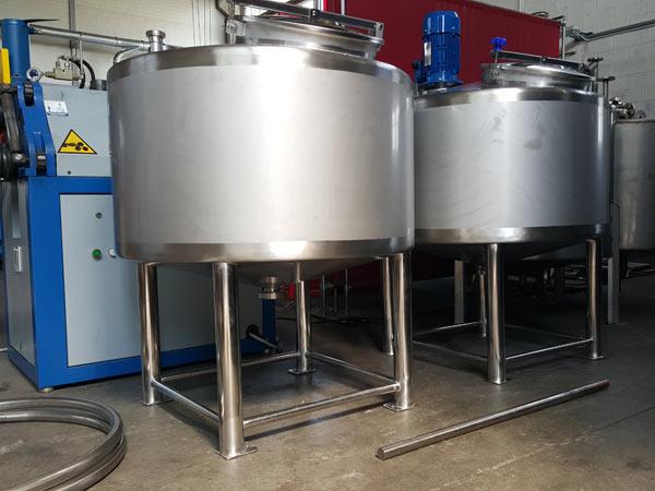 Cisterne-in-acciaio-inox-acqua-potabile