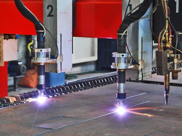 Raggio-di-luce-laser